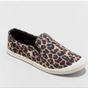 Madlove• NWT Kasandra leopard print sneaker